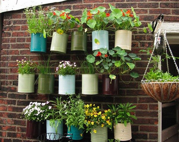 DIY Enjoyable Tin Can Planters