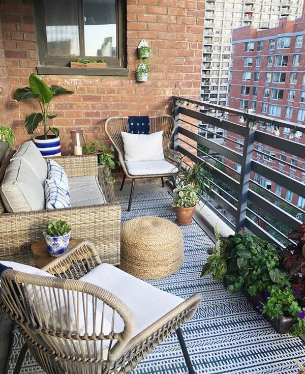 27 Comfy Balcony Ideas for Small Apartment