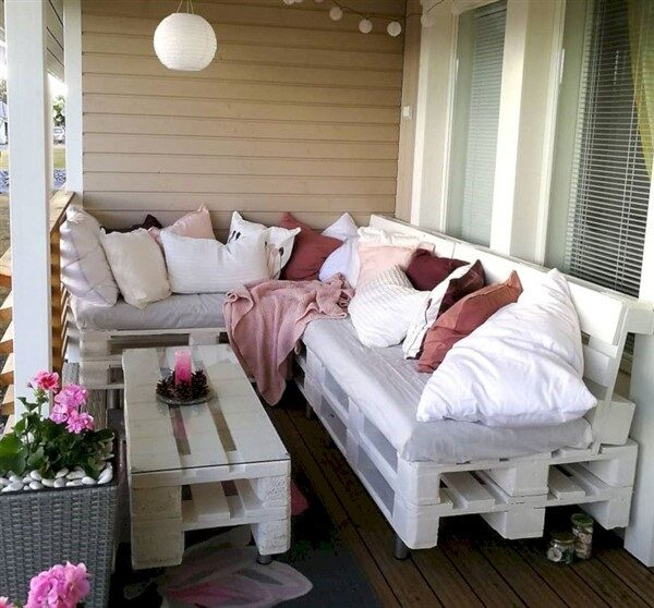 Balcony Pallet Couch Decoration Ideas