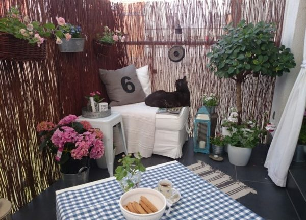 35 Balcony Garden Ideas For Small Apartment - Balcony ...