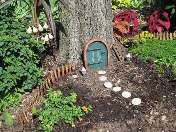 Tree Stump Fairy Garden Magical DIY Ideas