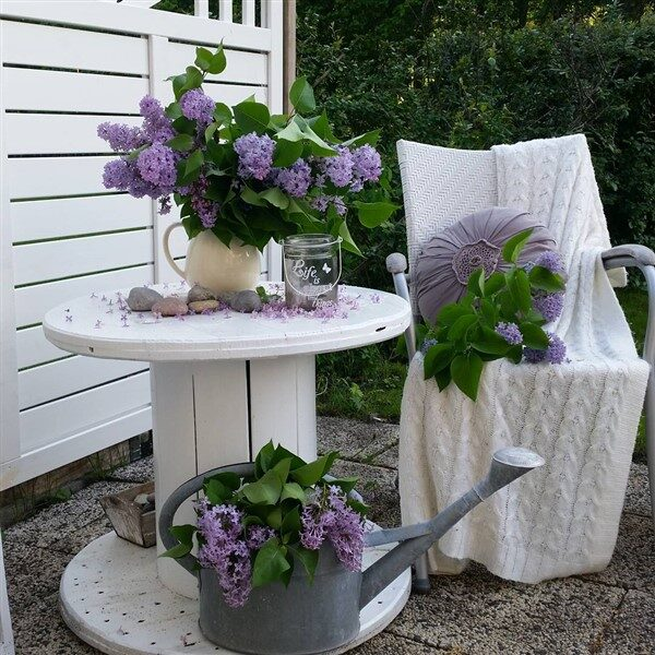 DIY Cable Spool Table Ideas For Balcony Decoration