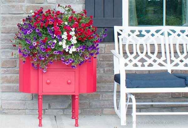 67 Upcycled Furniture Planter Ideas