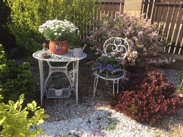 Repurpose Ideas For Vintage Sewing Machine Base Planter