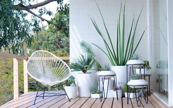Acapulco Chairs for Minimalist Balcony Decoration