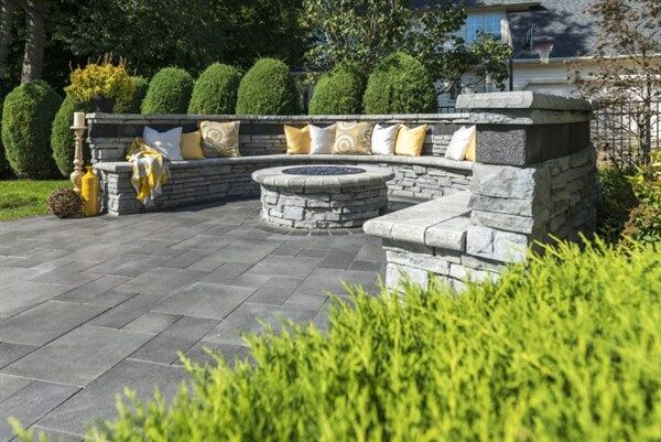 An Alternative Backyard Decoration: Stone Garden Furniture