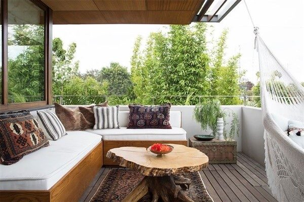 39 Balmy & Cozy Apartment Balcony Ideas