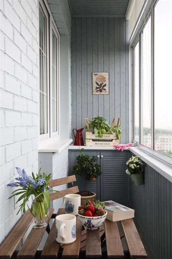 Garden Wall Bar