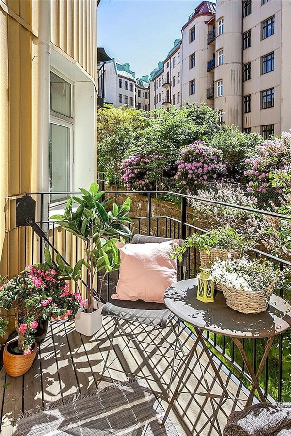 Tiny Livable Areas: Small Apartment Balconies - Unique ...