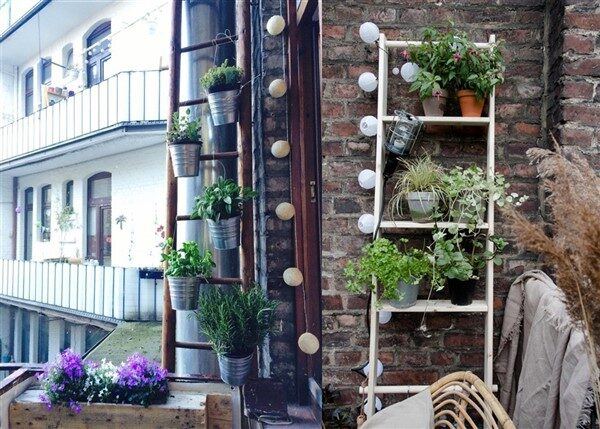 Decorative Vertical Ladder Planter Stands for the Balcony & Garden