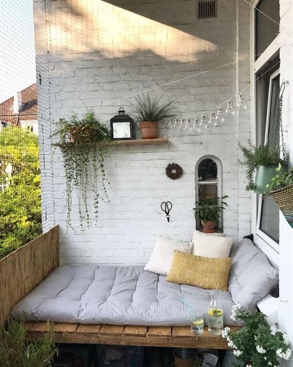 Cozy Apartment Balcony Decoration Ideas - Unique Balcony ...