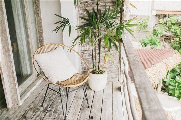 6 Tips To Spruce Up Your Balcony Decorations