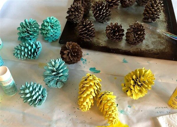 How to Paint Pinecones: 5 Practical Ways For You