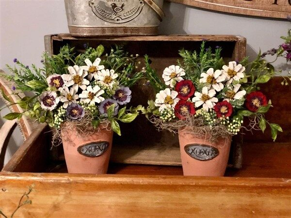 Pinecone Flowers: 2 Commonly Used Flower Crafts